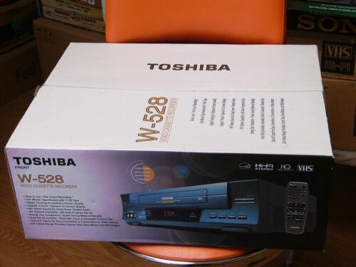 Toshiba W-528 4-Head Hi-Fi Video Cassette Recorder Electronics VCRs